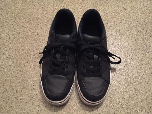 伸びる靴ひも キャンドゥ 100円 スニーカー