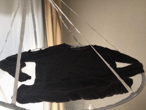 ダイソー 型くずれ防止セーター干しネット 外れにくいハンガーフック 100円