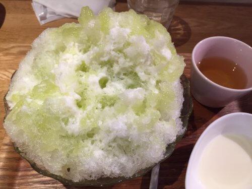 かき氷 横浜 あざみ野 カフェ クノップゥ ふわふわ フルーツ 期間限定 メロンミルク