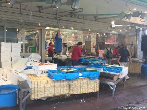 横浜 松原商店街 激安 人気 ハマのアメ横 おすすめ 駐車場 営業時間 レビュー マグロ 魚屋 魚幸水産