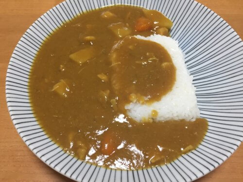 パックご飯 おすすめ アレンジ レシピ 簡単 美味しい アイリスオーヤマ 低温製法米のおいしいごはん 魚沼産こしひかり ケース そのまま カレー どんぶり