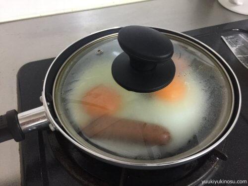 ダイソー フライパン 卵焼きフライパン フッ素樹脂コーティング 300円 サイズ おすすめ ガスコンロ用 14cm 20cm 22cm サイズ 蓋 IH 小さい 100均