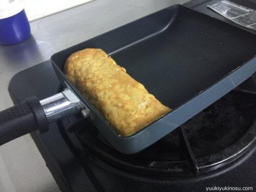 ダイソー フライパン 卵焼きフライパン フッ素樹脂コーティング 300円 サイズ おすすめ ガスコンロ用
