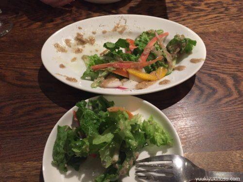ピザ&ワイン バル Tempters (テンプターズ) 横浜 神奈川 関内 ピザ 500円 安い コスパ イタリアン レストラン おすすめ ワイン 安い メニュー  サラダ
