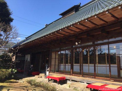 熱海 ドライブ 日帰り コース 来宮神社 蕎麦 ランチ 温泉 食べ歩き いちごボンボンベリー 商店街 おすすめ 多賀