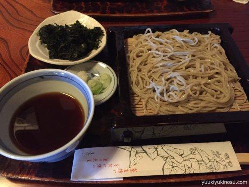 熱海 ドライブ 日帰り コース 来宮神社 蕎麦 ランチ 温泉 食べ歩き いちごボンボンベリー 商店街 おすすめ 地のりそば