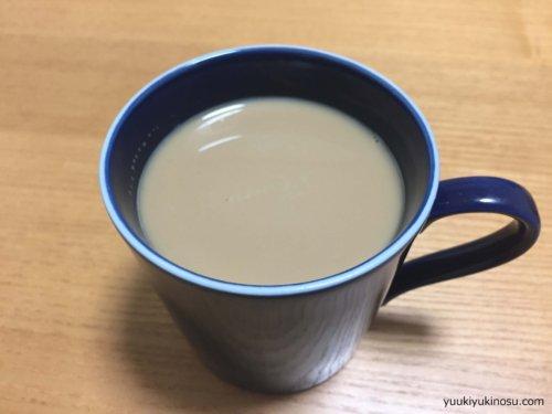 水出しコーヒー コールドブリュー お茶パック 自作 コスパ 作り方 賞味期限 水道水 アイスコーヒーとの違い スターバックス カフェベロナ 無印 耐熱ガラスピッチャー 美味しい カフェラテ ホット レンジ